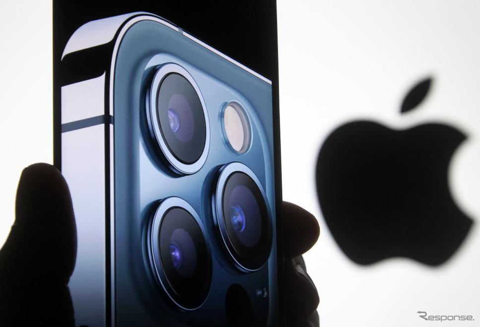 iPhone 12シリーズを発表したアップル《Photo Illustration by Pavlo Gonchar/SOPA Images/LightRocket via Getty Images/ゲッティイメージズ》