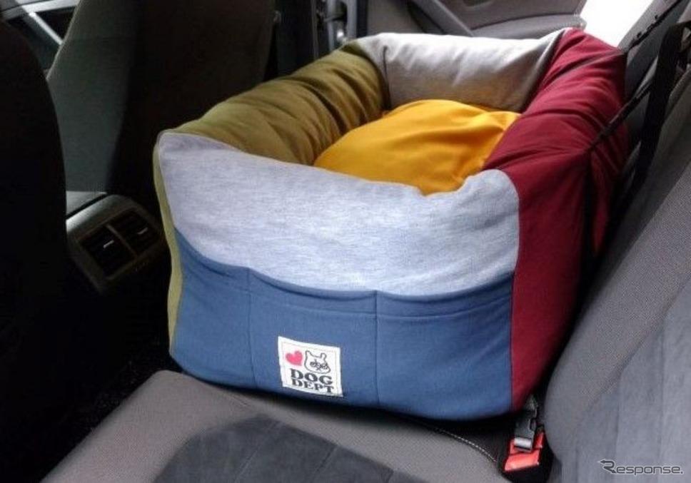 クルマ用愛犬ベッドをタイプ別に検証《写真撮影 青山尚暉》