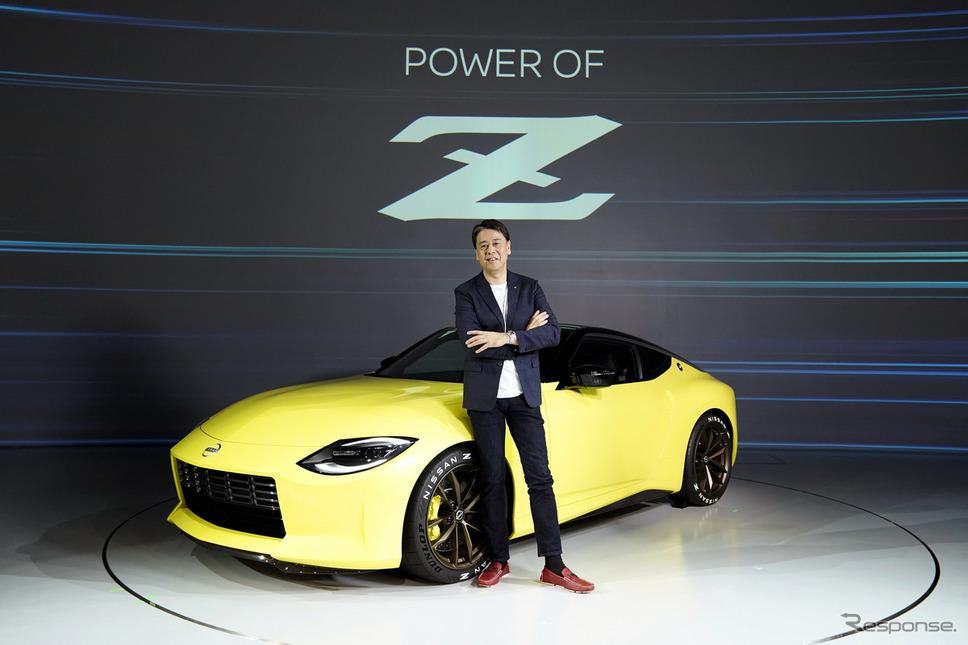 内田誠社長とフェアレディZプロトタイプ《写真提供 日産自動車》