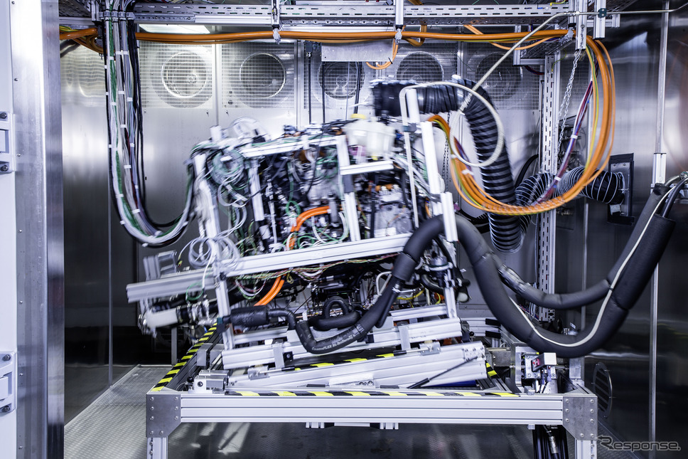 メルセデスベンツ GLC F-CELLのドライブユニットの開発テスト《photo by Daimler》