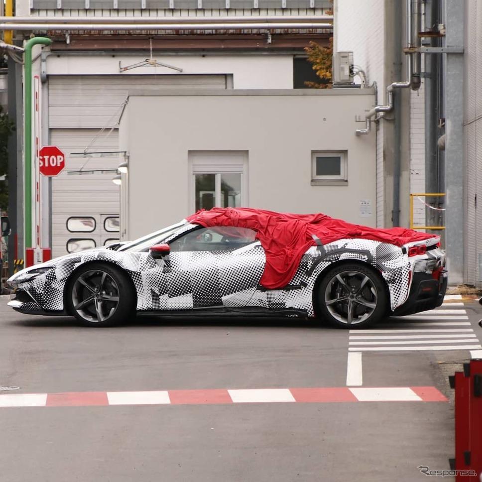 フェラーリ SF90 スパイダー(仮)開発車両(スクープ写真)《APOLLO NEWS SERVICE》