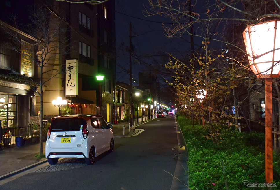 宵の口の京都。このドライブはコロナウィルスの感染拡大期で、見たことがないくらいガラガラだった。《写真撮影  井元康一郎》