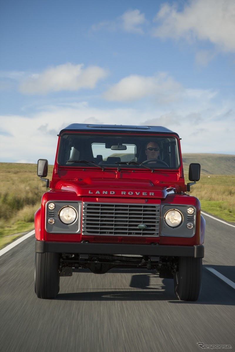 初代ランドローバー・ディフェンダー 110(2013年モデル)《photo by Land Rover》