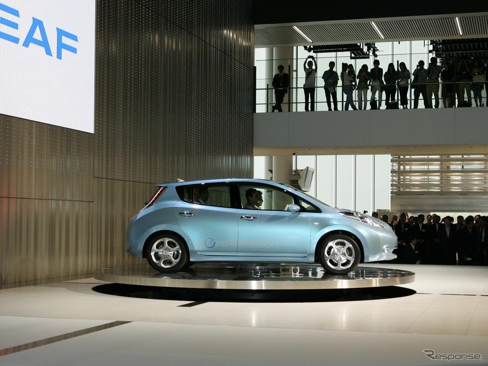初代リーフは2009年8月、日産の新グローバル本社屋竣工式でお披露目された。《写真提供 日産自動車》