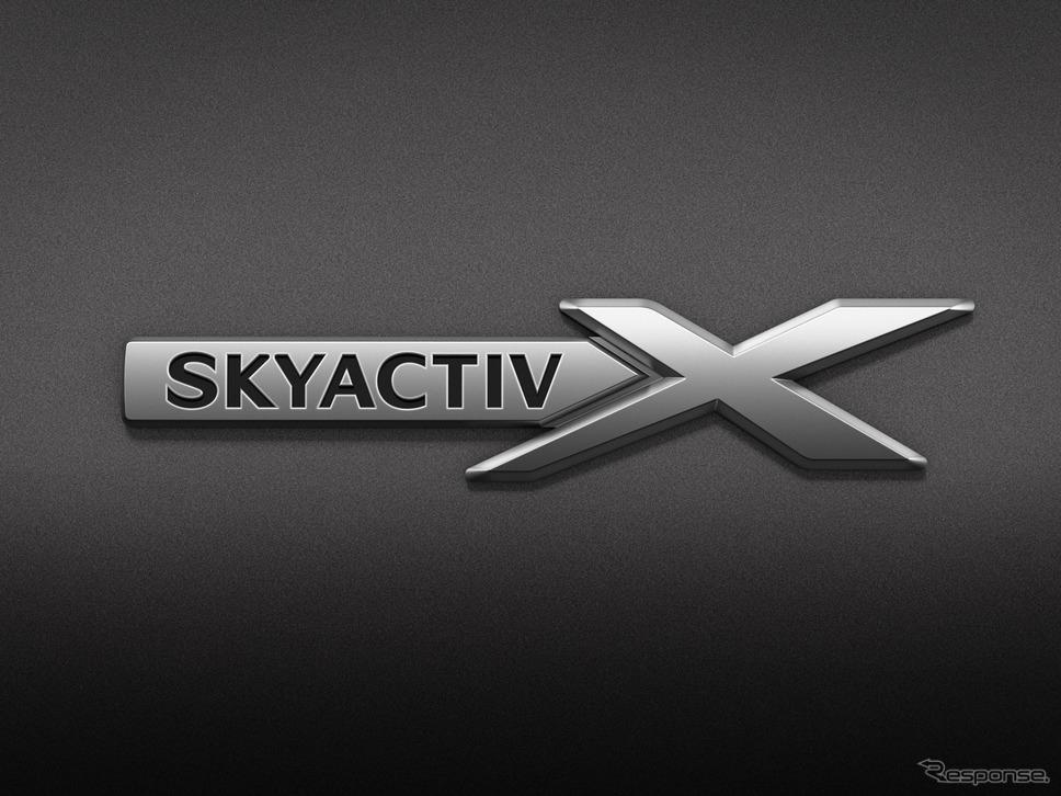 SKYACTIV-Xバッジ《写真提供 マツダ》
