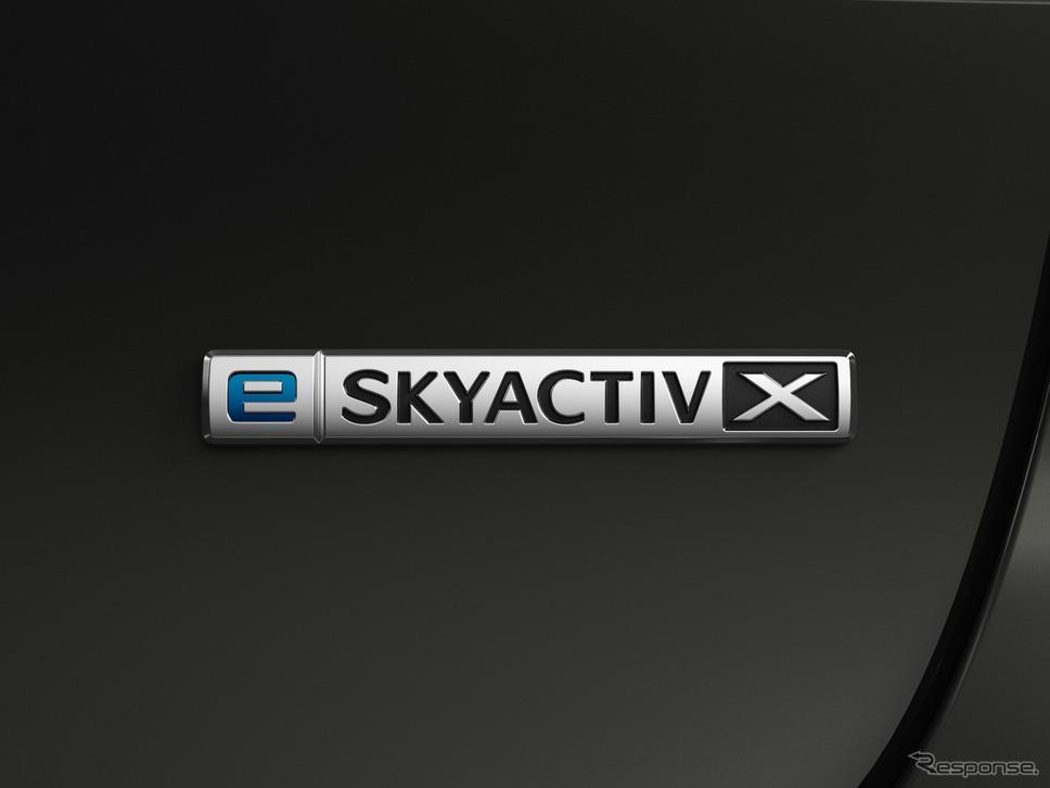 e-SKYACTIV-Xバッジ《写真提供 マツダ》