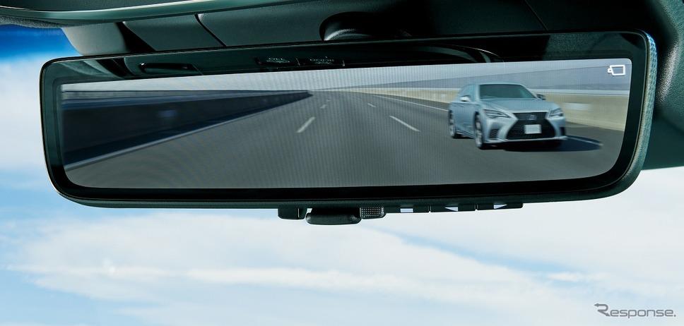 デジタルインナーミラー《写真提供 トヨタ自動車》