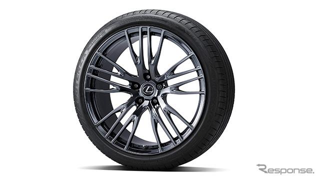 21インチ鍛造アルミホイール&タイヤセット(ロックナット付)《写真提供 トヨタカスタマイジング&ディベロップメント》