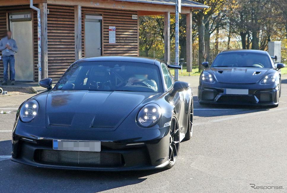 ポルシェ 911 GT3 次期型と718ケイマン GT4 RS プロトタイプ(スクープ写真)《APOLLO NEWS SERVICE》