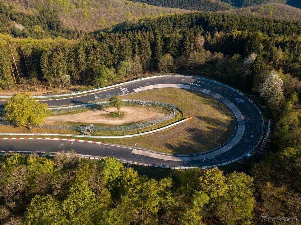 ニュルブルクリンク「カルーセル」《photo by Porsche》
