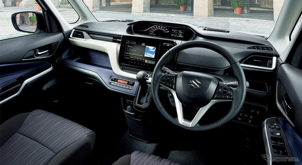 スズキ・ソリオ・ハイブリッドMZ 全方位モニター付メモリーナビゲーション装着車 インパネ《写真提供 スズキ》