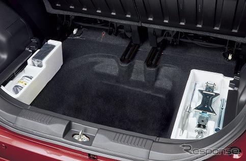 スズキ・ソリオ、サブトランク(2WD車)《写真提供 スズキ》