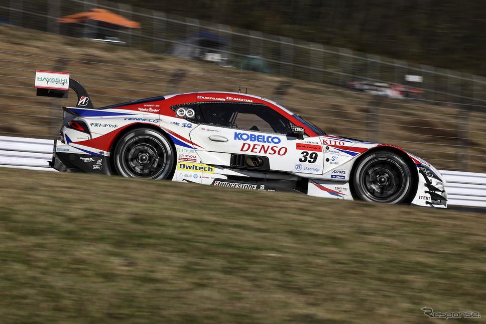 GT500クラス予選2番手の#39 DENSO KOBELCO SARD GR Supra《撮影 益田和久》