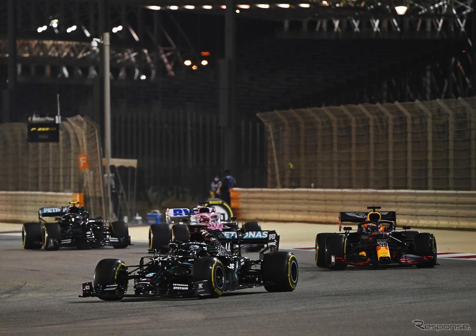 2020年F1王者ルイス・ハミルトン(第15戦バーレーンGP決勝、写真先頭 #44)《写真提供 Pirelli》