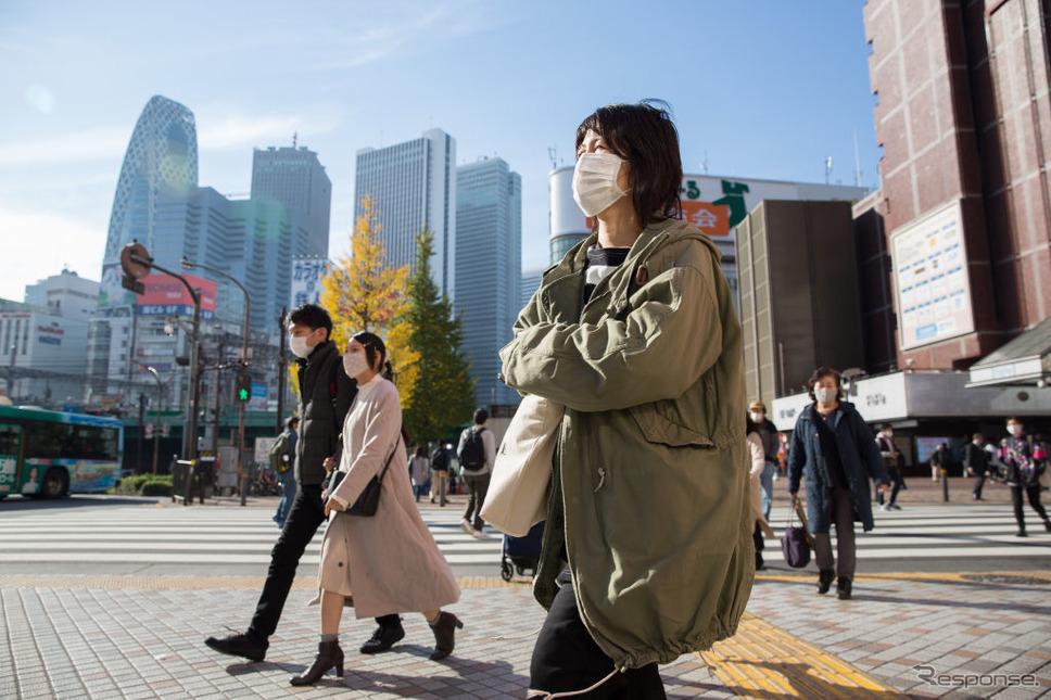 東京都内(11月30日)《Photo by Stanislav Kogiku/SOPA Images/LightRocket via Getty Images/ゲッティイメージズ》