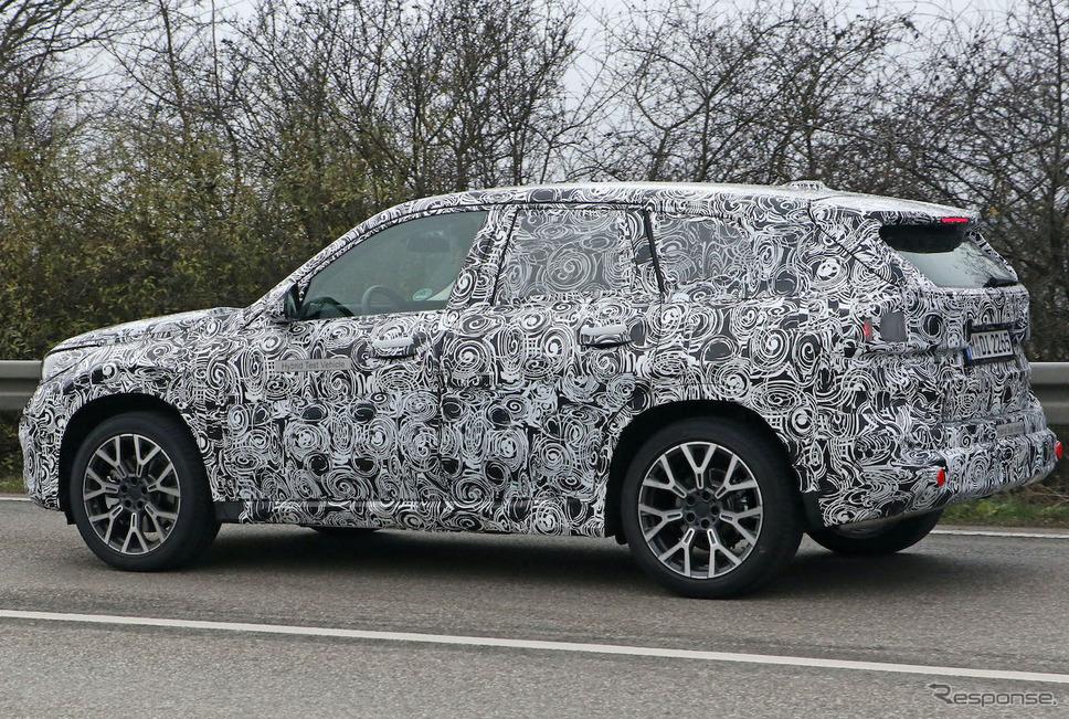 BMW X1 PHEV 次期型プロトタイプ(スクープ写真)《APOLLO NEWS SERVICE》