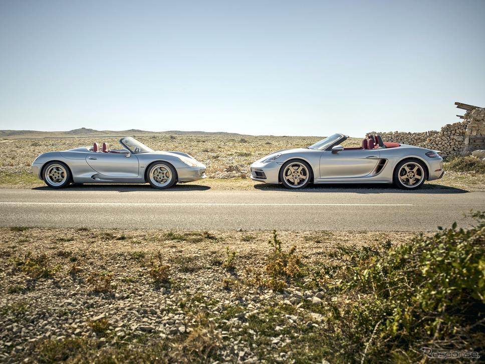 ボクスター・コンセプト(向かって左)とポルシェ・ボクスター25イヤーズ《photo by Porsche》