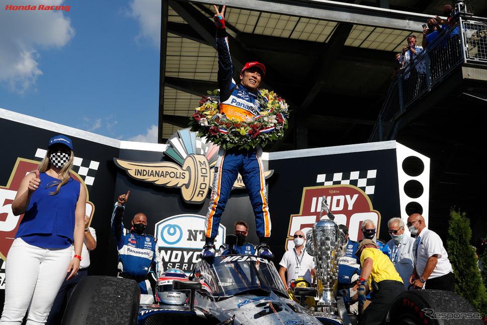 昨年2度目のINDY500優勝を飾った佐藤琢磨(c) Honda