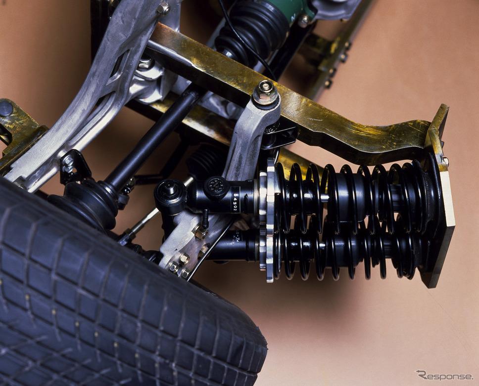 日産 MID4 IIのマルチリンク式フロントサスペンション《写真提供 日産自動車》