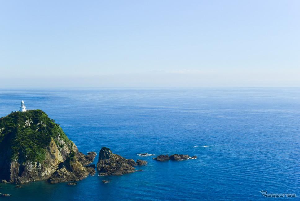 この日は淡いミストが出ていたが、かすかに種子島のシルエットが見えていた。クリアな日はくっきりと見える。《写真撮影 井元康一郎》