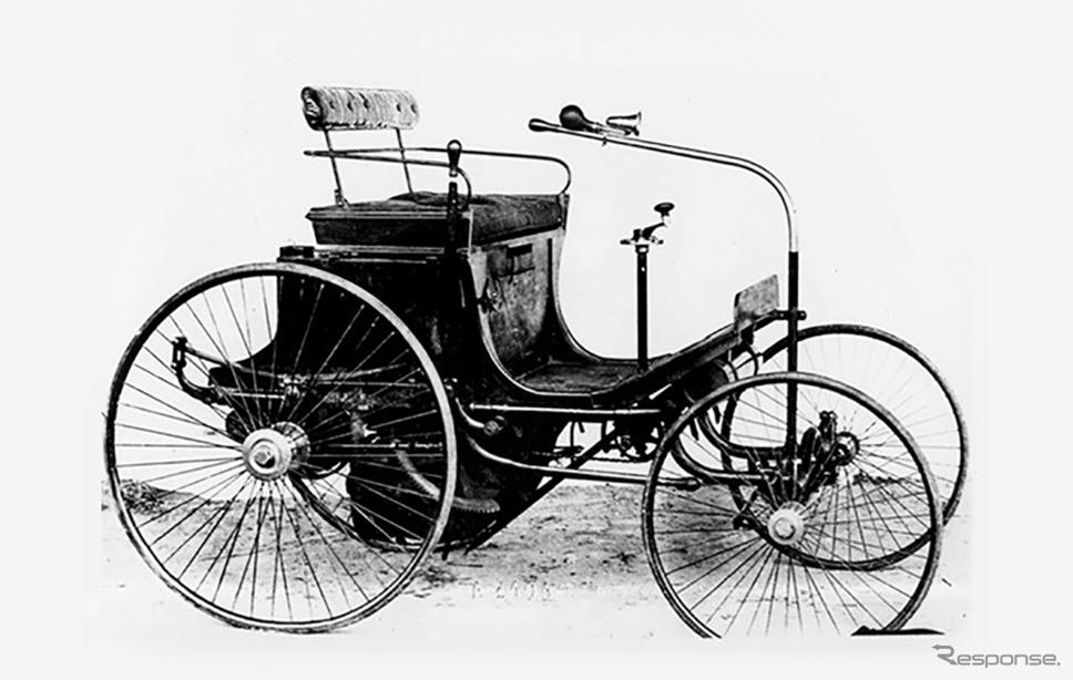 1889年、ダイムラー製ガソリンエンジンを搭載した四輪自動車「Type 2」を製造《写真提供 プジョーモトシクル》