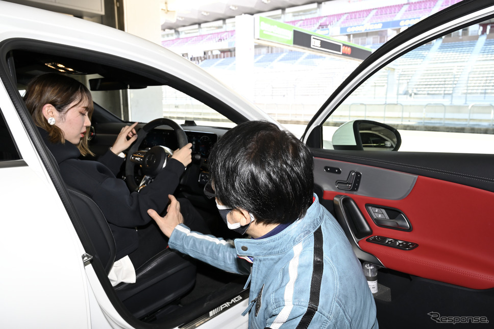 ドライビングポジションの大切さを中谷さんから伝授《写真撮影 雪岡直樹》