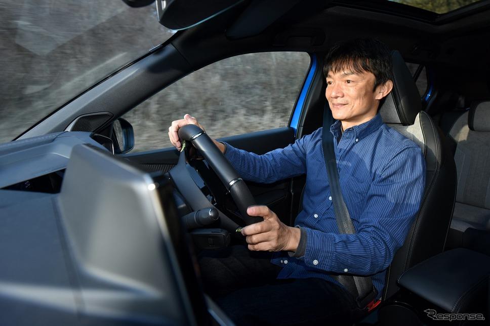 プジョー e-2008 に乗る モータージャーナリスト 岡本幸一郎 氏《写真撮影 中野英幸》
