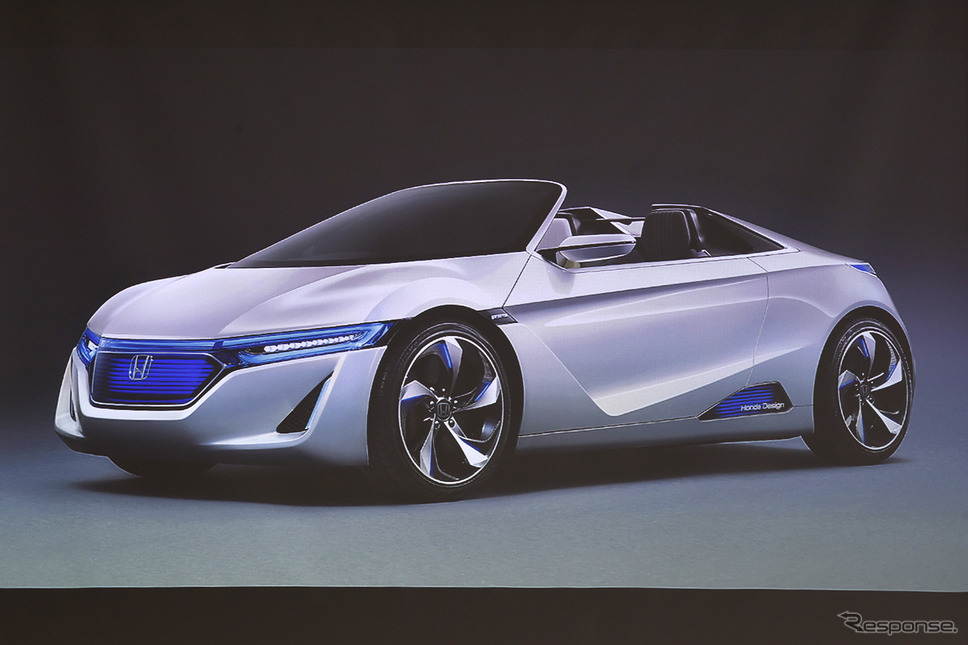 2013年の東京モーターショーでビートの後継としてコンセプトモデルを発表《写真撮影 中野英幸》
