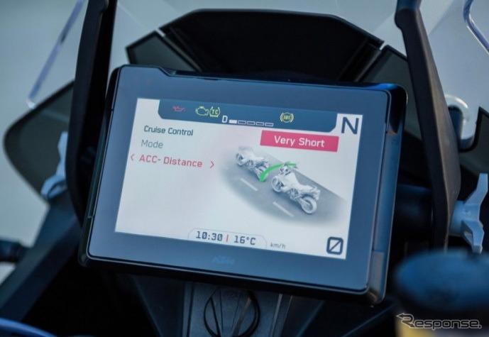 7インチ TFT ディスプレイ《写真提供 KTMジャパン》