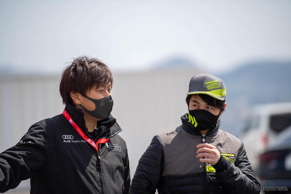 #21 藤井優紀選手(右)《写真撮影 鈴木則彦》
