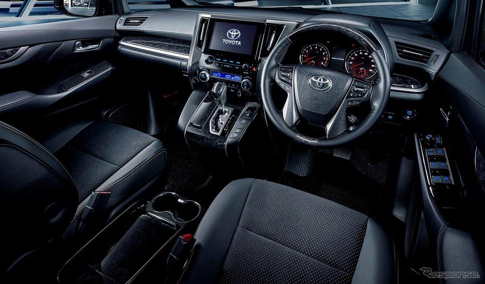 トヨタ・ ヴェルファイア(日本仕様)《画像:トヨタ自動車》