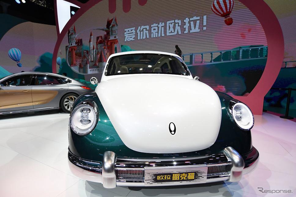 長城汽車ORAの新型EV、パンクキャット(上海モーターショー2021)《Photo by Zhe Ji/Getty Images News/ゲッティイメージズ》