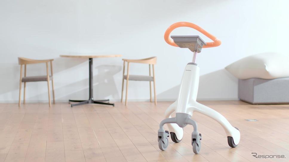 パナソニックの歩行トレーニングロボット《写真提供 パナソニック》