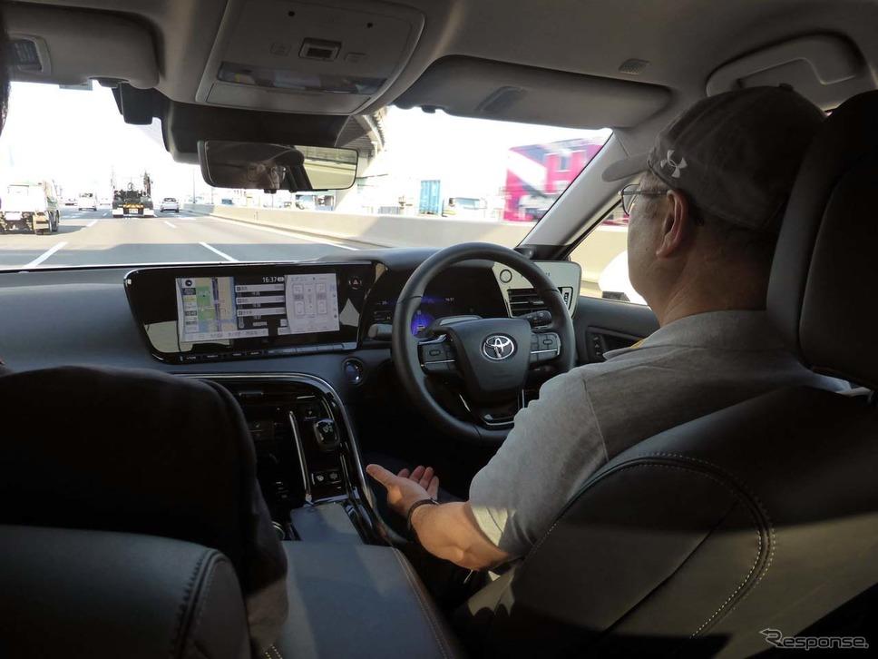 トヨタ「Advanced Drive」でハンズオフ走行を体験