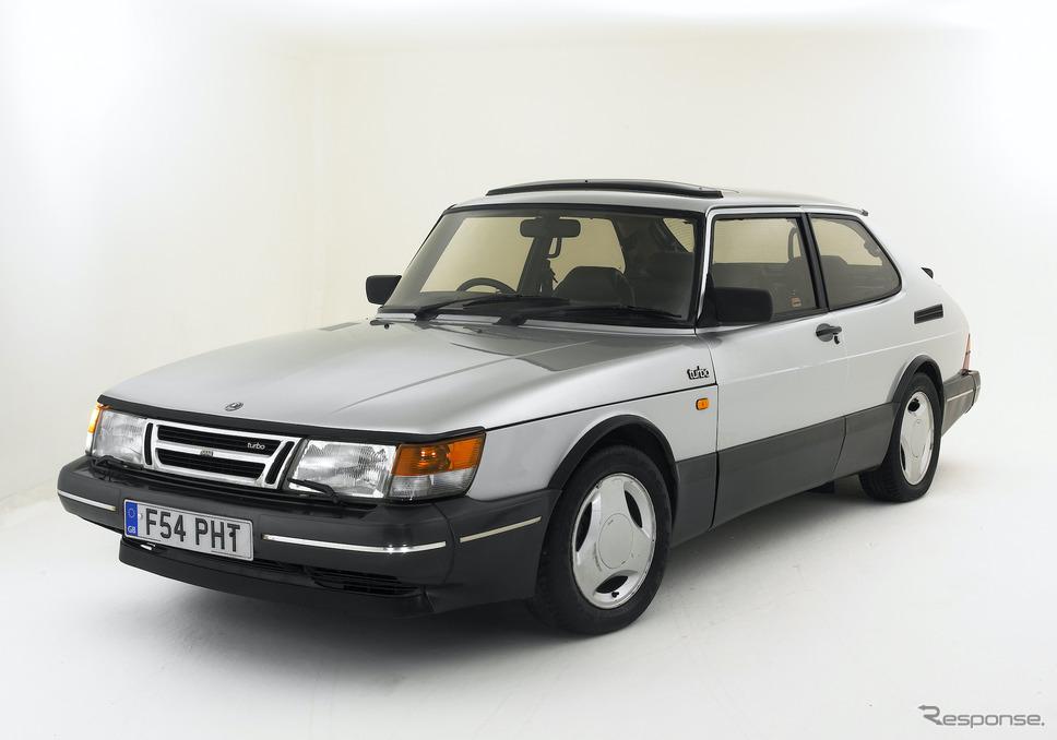 サーブ900。写真は1988年のターボ。《Photo by National Motor Museum/Heritage Images/Hulton Archive/ゲッティイメージズ》