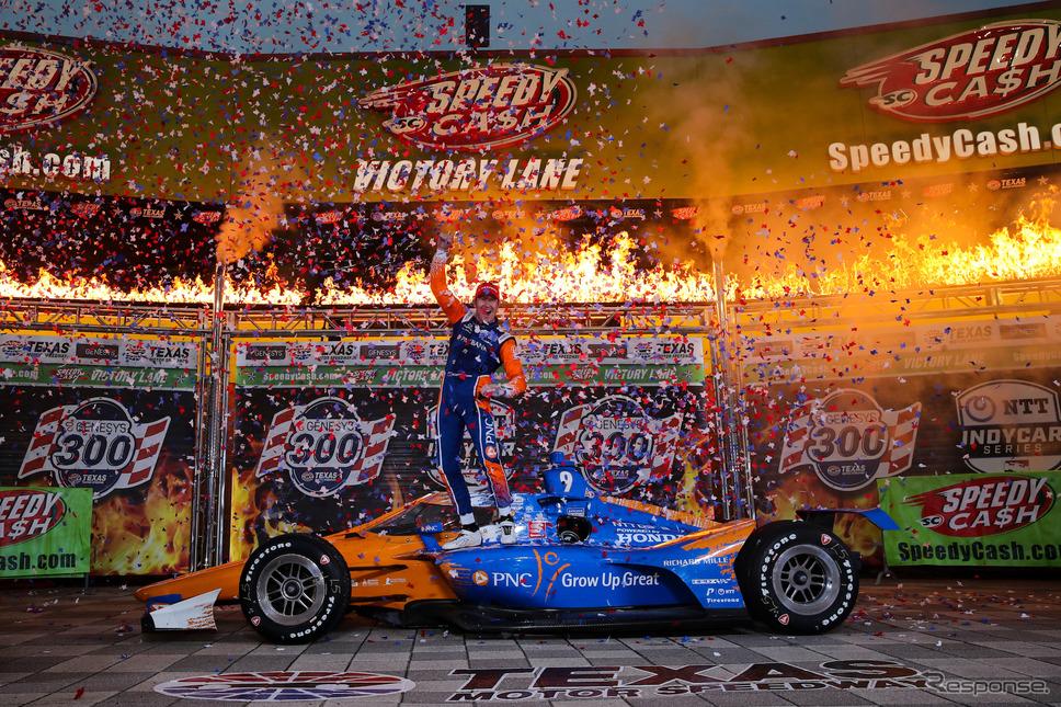 """""""レース1""""(シリーズ第3戦)では#9 ディクソンが勝利を得た。《Photo by INDYCAR》"""