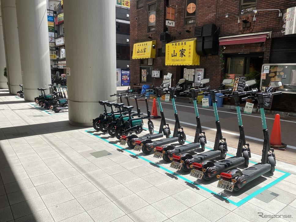 渋谷マークシティのLuupポート《写真提供 Luup》