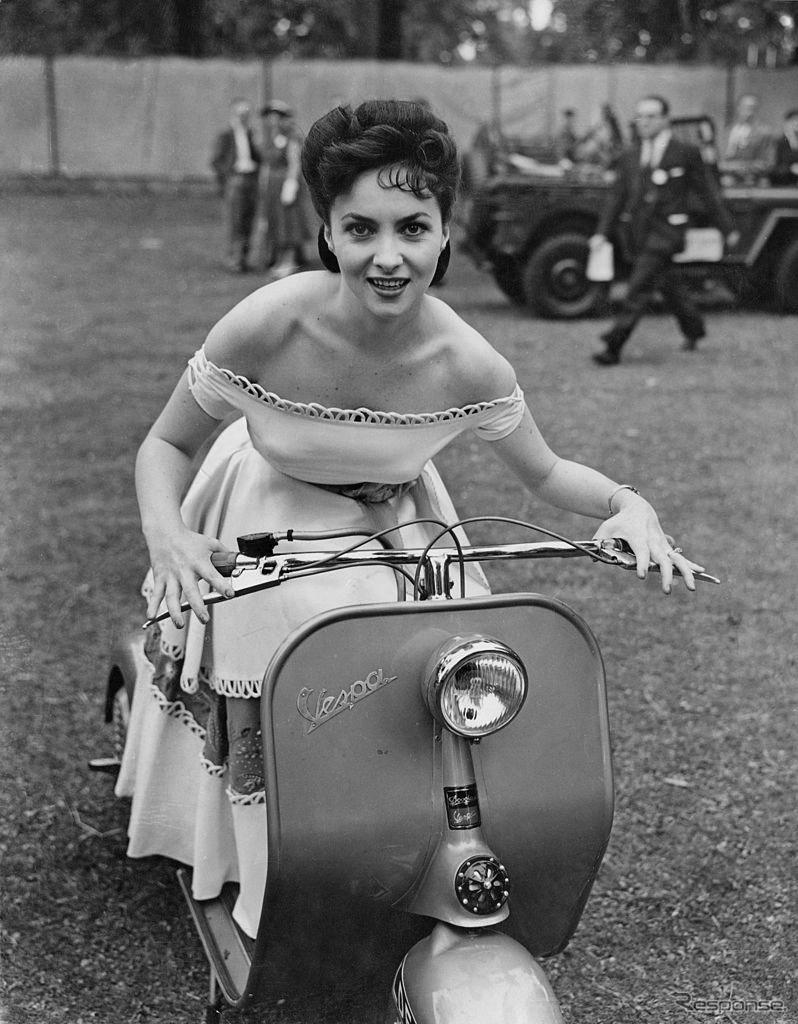 ジーナ・ロロブリジーダ(1952年)《Photo by Ron Case/Keystone/Hulton Archive/ゲッティイメージズ》