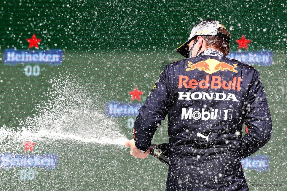 """シーズンの最後に、フェルスタッペンとレッドブル・ホンダは""""世界の頂点""""で歓喜することができるだろうか(写真はポルトガルGP)。《Photo (c)Red Bull Racing Honda》"""