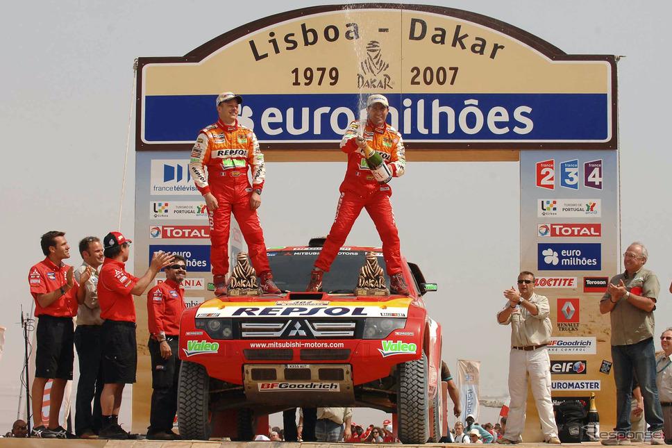 2007年ダカールラリー《画像提供 三菱自動車》