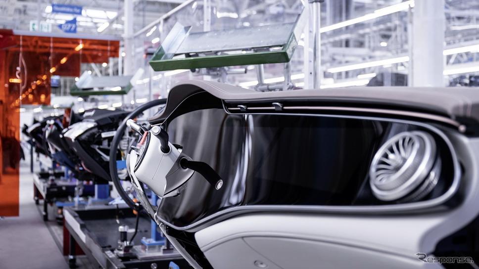 ドイツ・ジンデルフィンゲンの「ファクトリー56」で生産を開始したメルセデスベンツ EQS《photo by Mercedes-Benz》