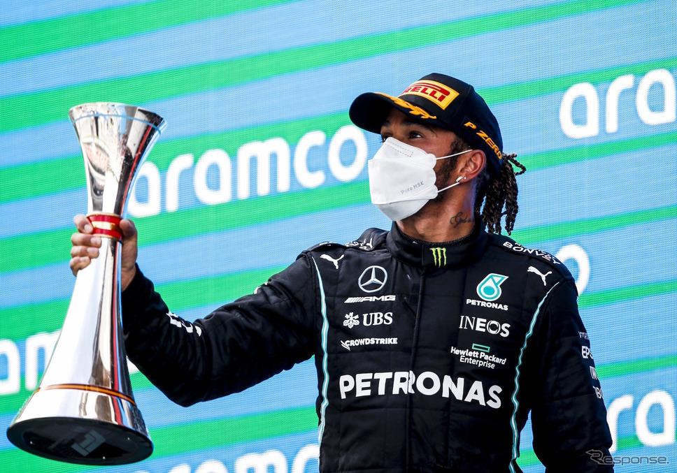 スぺインGPの勝利を喜ぶハミルトン。《Photo by Pirelli》