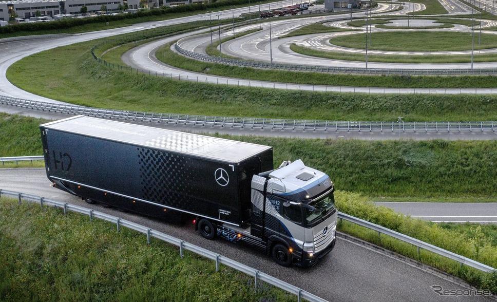 メルセデスベンツの燃料電池トラック『GenH2トラック』のプロトタイプ《photo by Daimler Trucks》