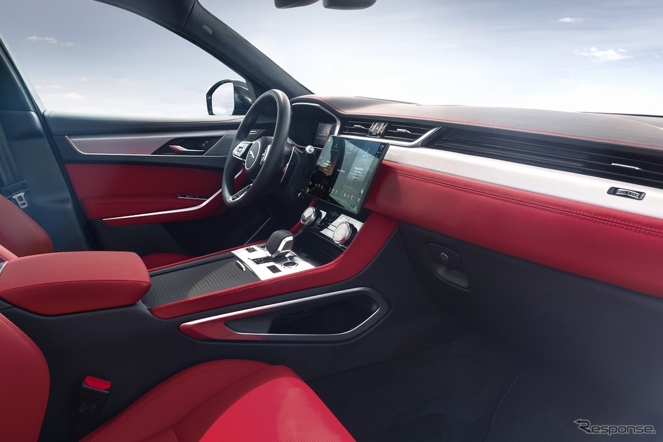 F-PACE 2021年モデル《写真提供 ジャガー・ランドローバー・ジャパン》