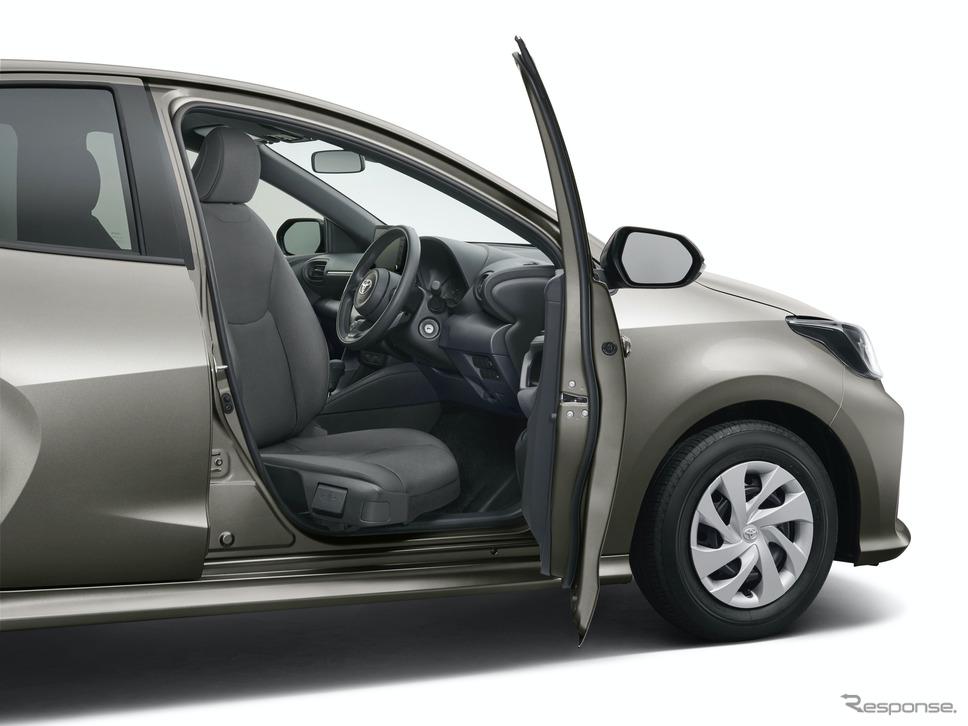トヨタ・ヤリス・ウェルキャブの運転席ターンチルトシート《写真提供 トヨタ自動車》