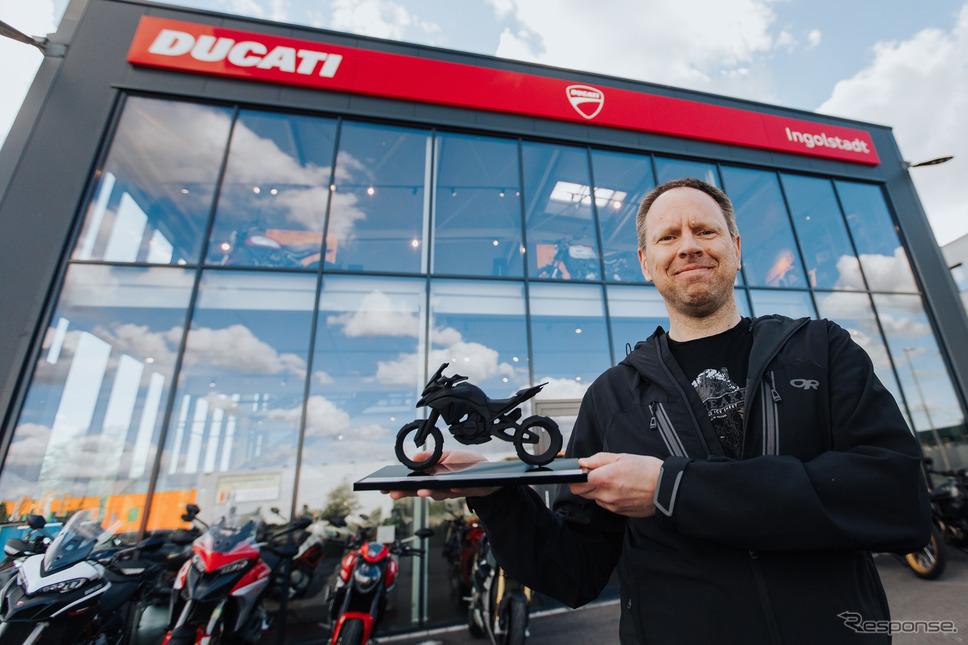ドゥカティ・ムルティストラーダ V4 新型の世界販売5000台目の顧客《photo by Ducati》