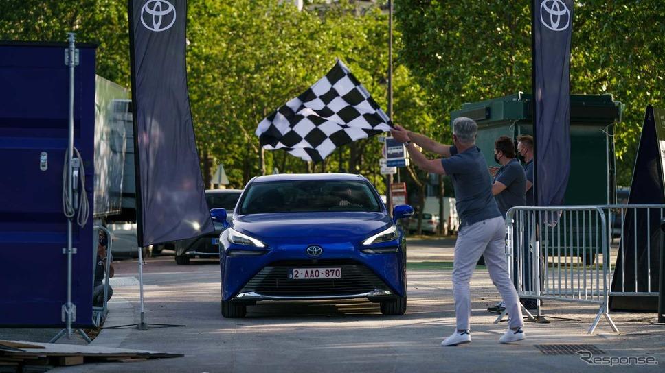 トヨタ・ミライ 新型による燃料電池車の航続世界記録挑戦《photo by Toyota》