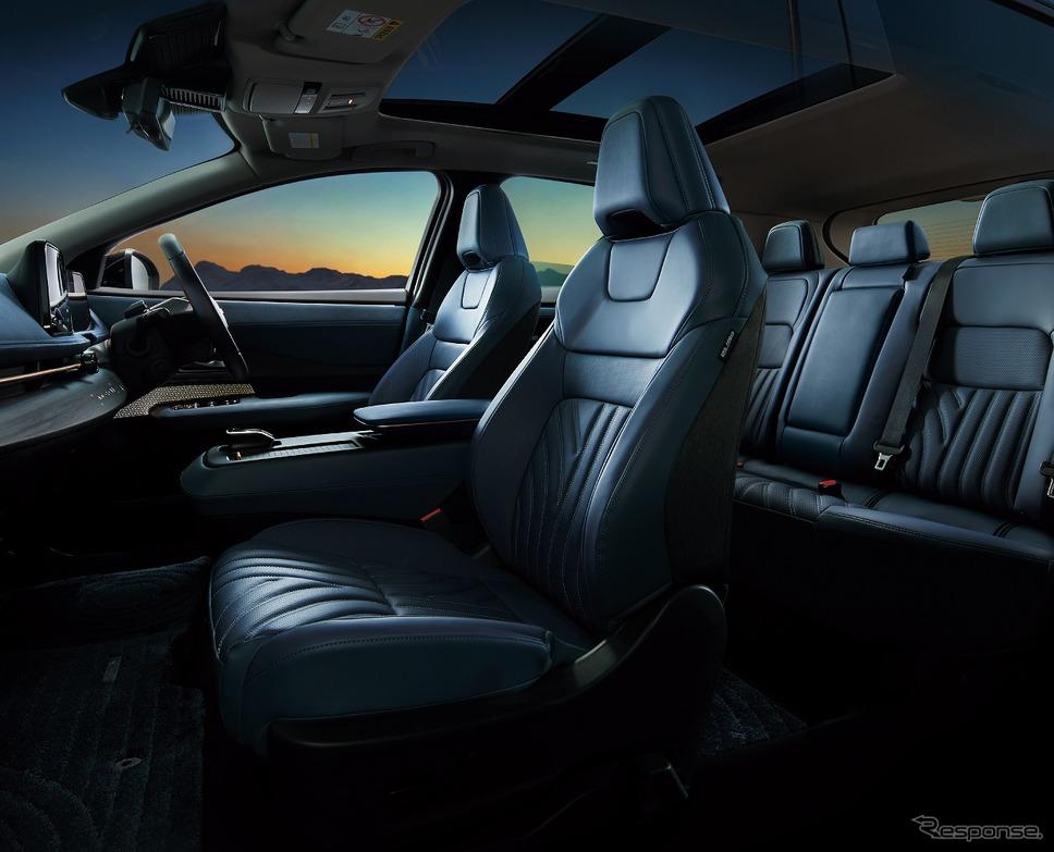 日産 アリア B6 リミテッド 内装色 ブルーグレー《写真提供 日産自動車》
