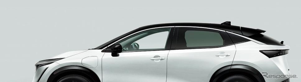 プリズムホワイト/ミッドナイトブラック 2トーン (特別塗装色)《写真提供 日産自動車》