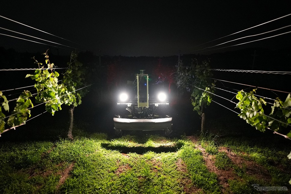 夜間でもデータ収集が可能なUGV《写真提供 ヤマハ発動機》